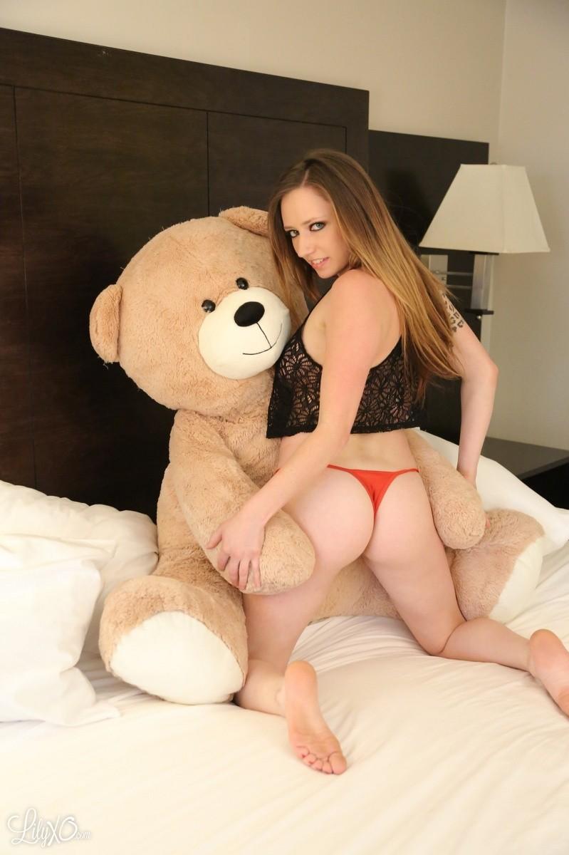 lily thai nudes with teddy bear