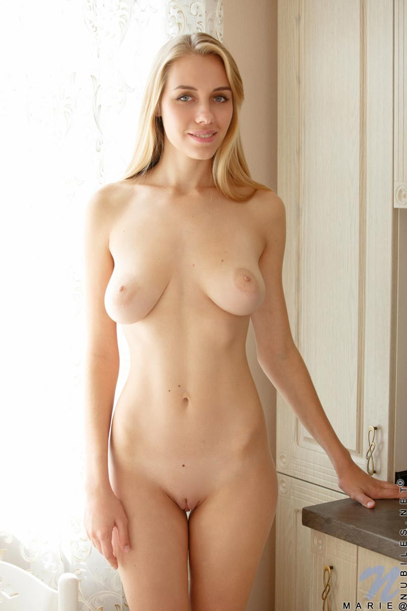 Blondes with natural boobs