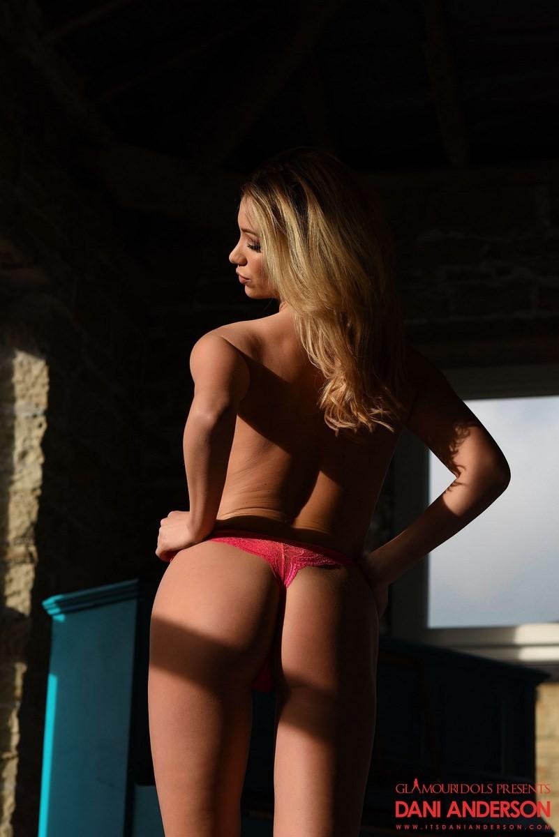 caroline andersen stripping lesbisk porn