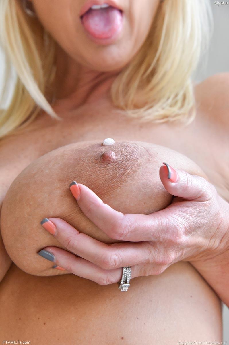 nice vintage female nudes