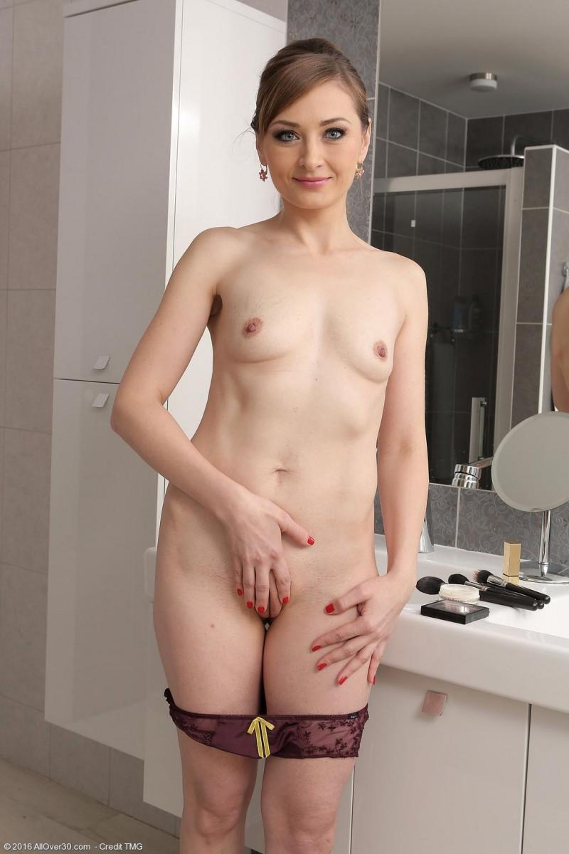 nude tomoko saeki pics