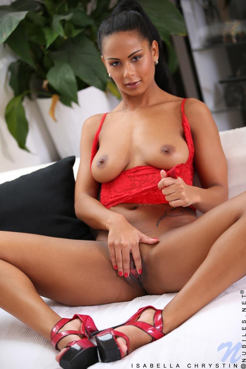 Impressive sexy Isabella Chrystin pleasures passionate fuck in laundry room