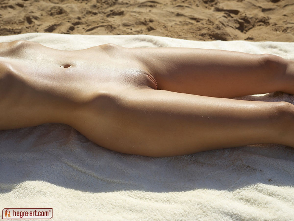 Little Caprice Naked Sunbathing-8103