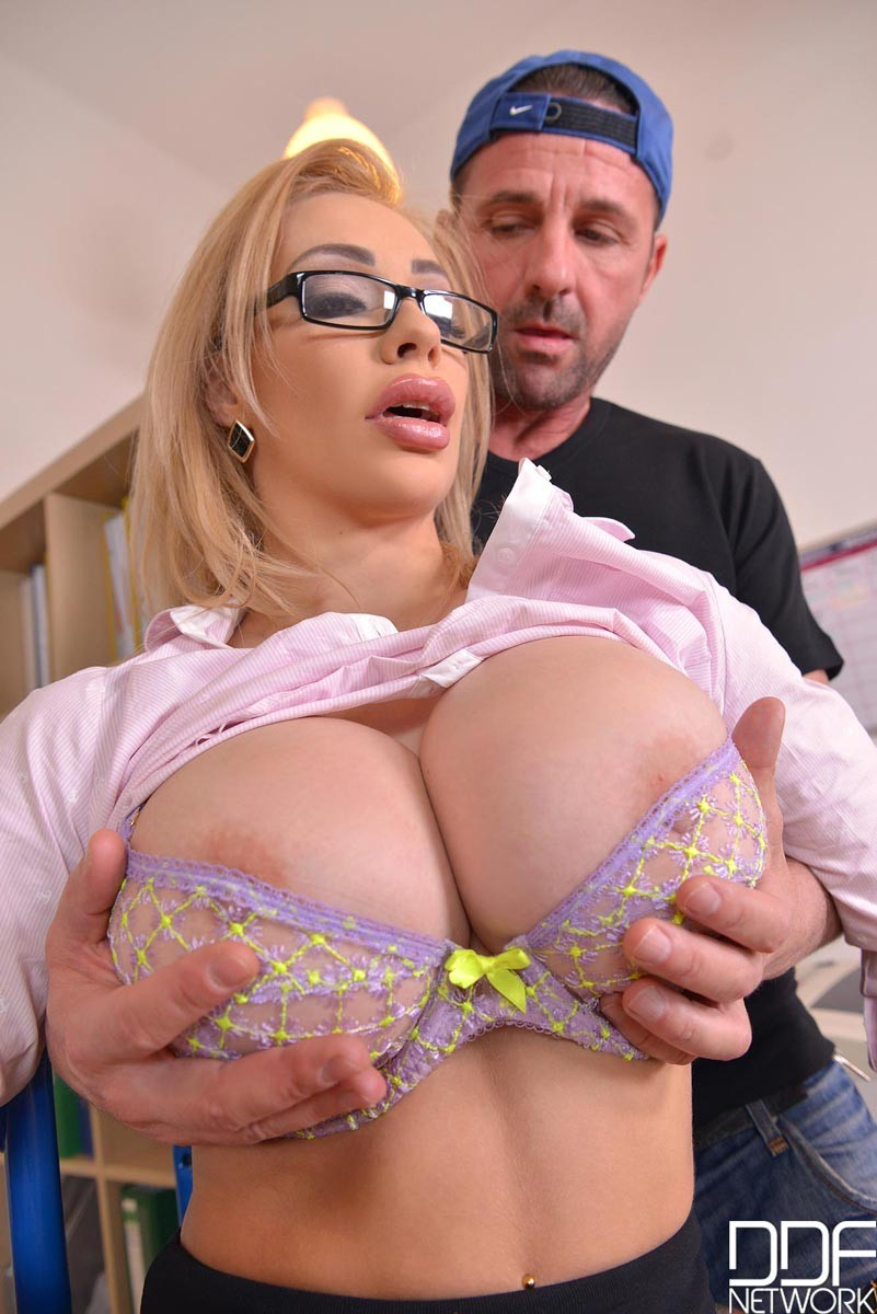 Office sex is the best especially when a blondie sucks your cock like that - 3 part 2