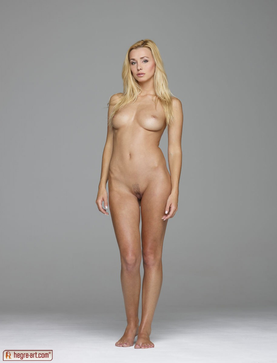 Perfect Nude Blonde