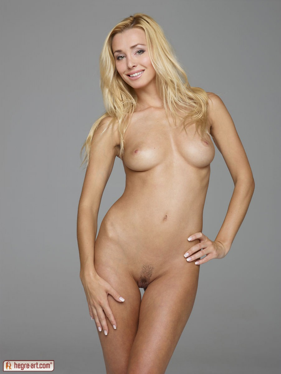 perfect blonde woman nude