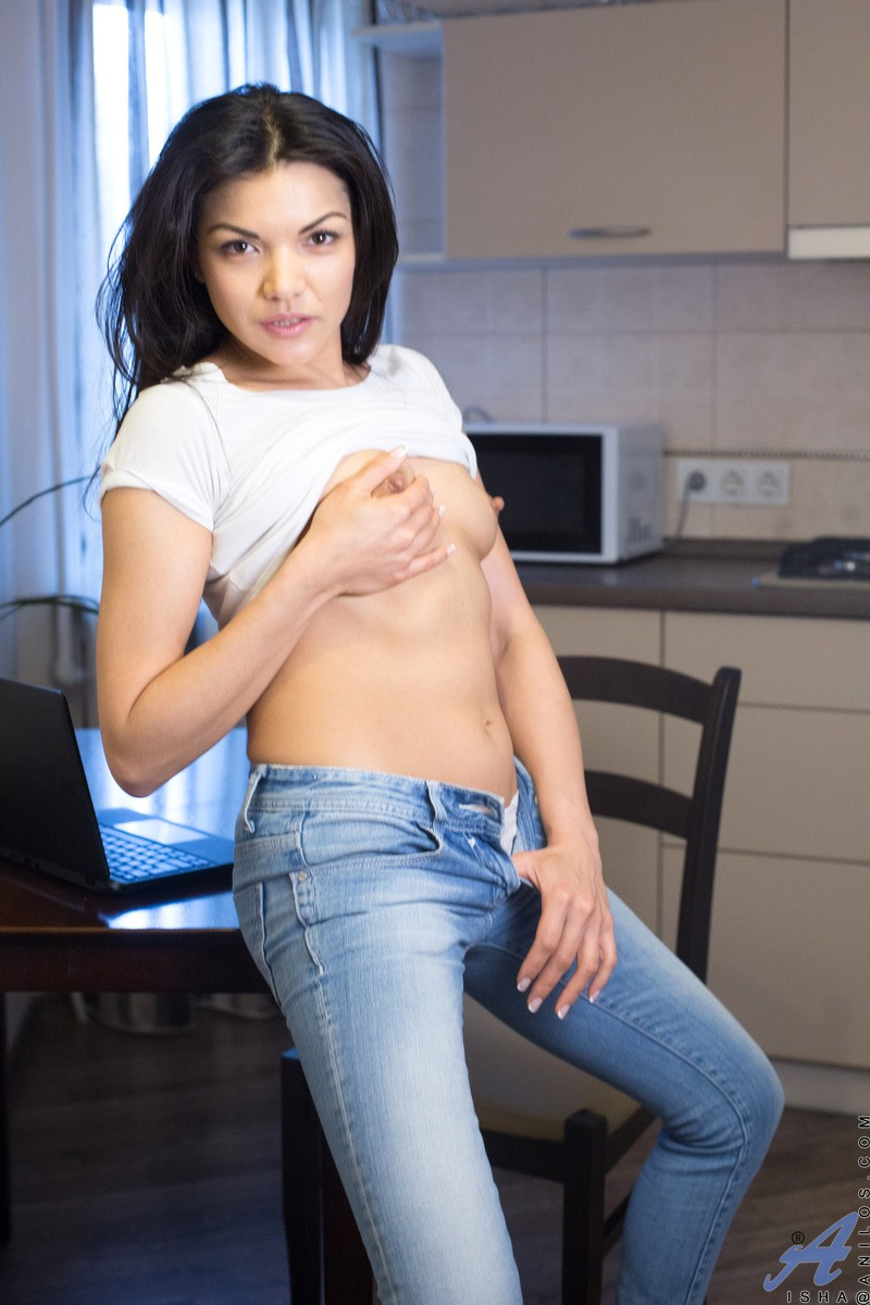 Hot Exotic Wife In Jeans-3992