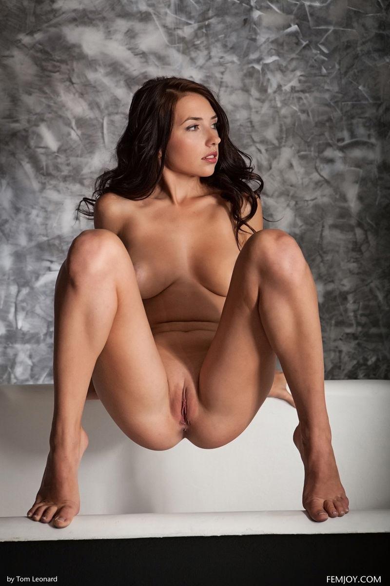 Women beaitiful naked