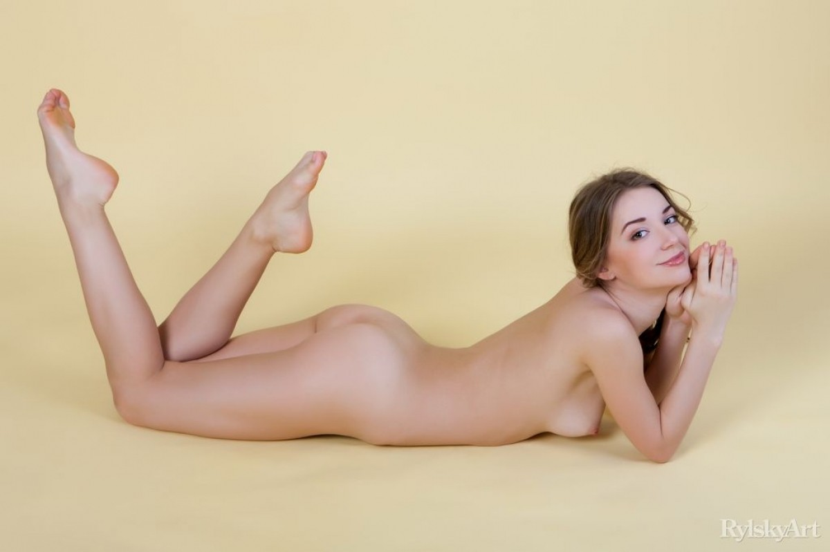 This litte nude modles