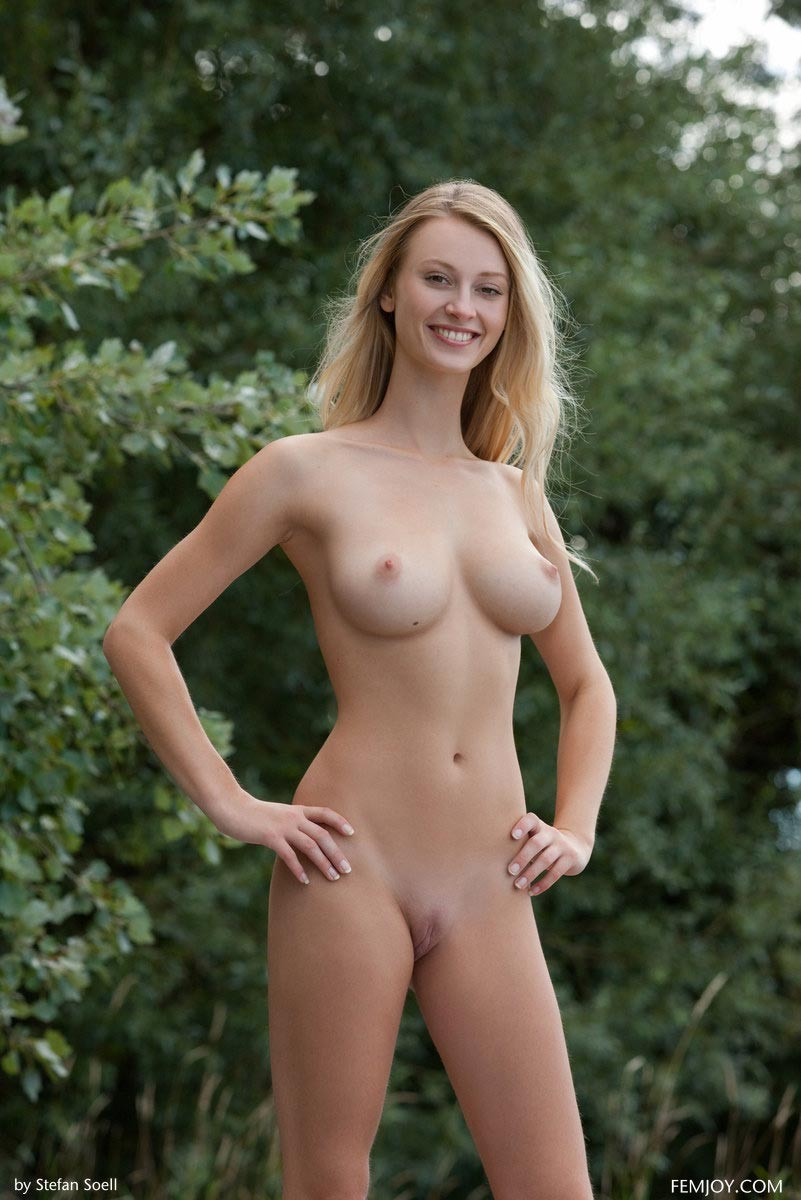 Usual Femjoy blonde nude outdoors