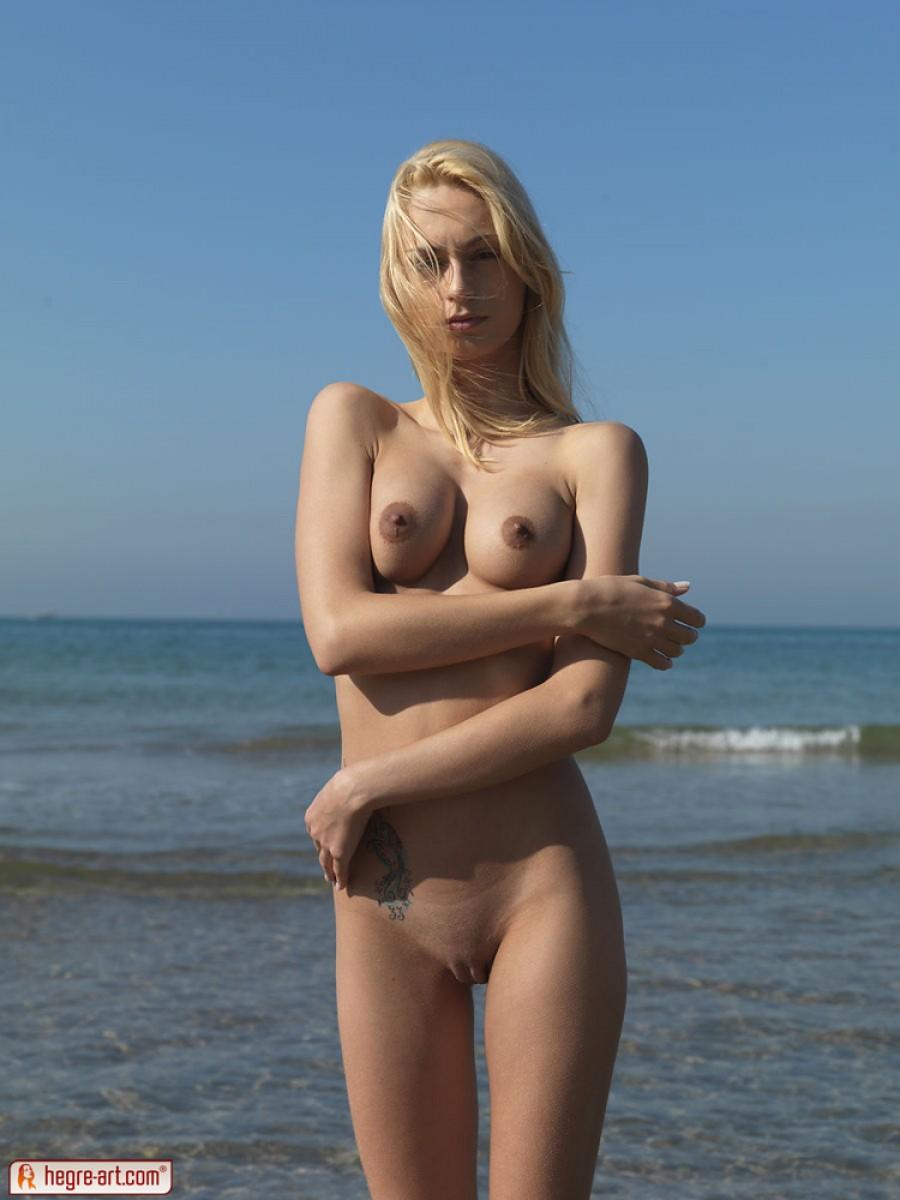 Erica Fontes Naked Sunbathing-6079