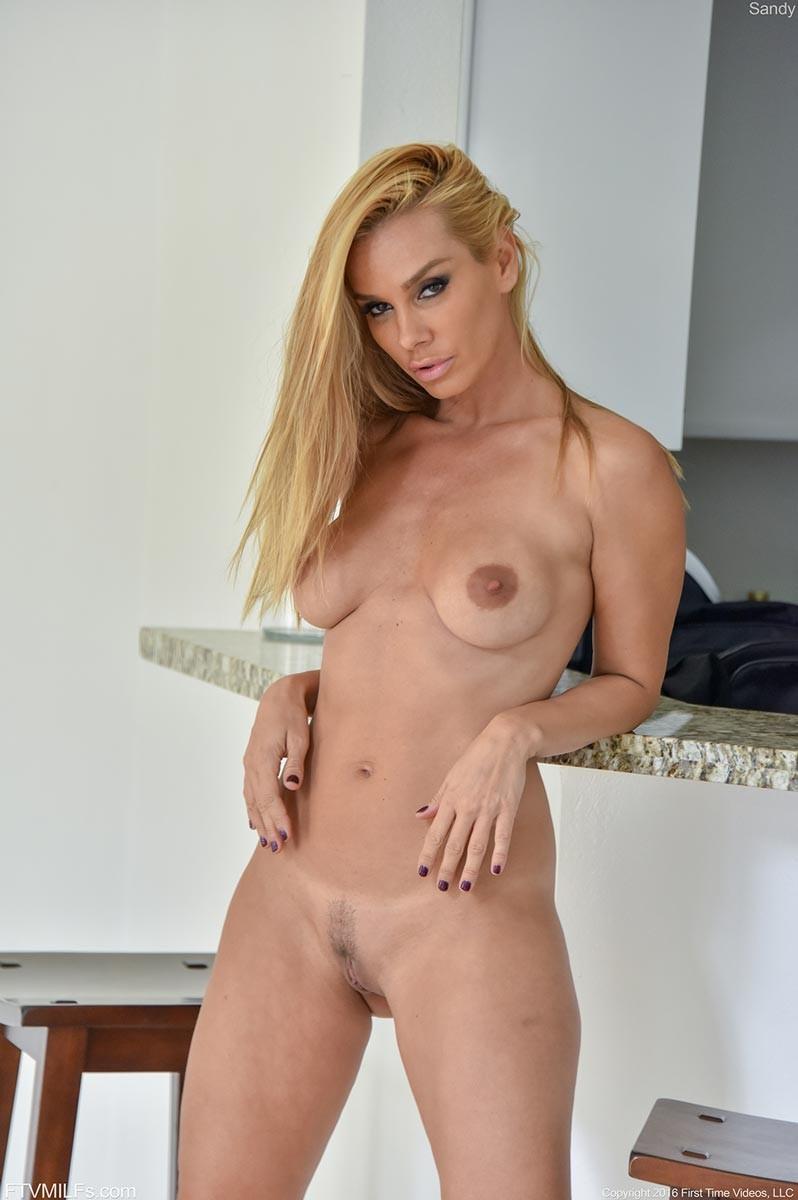 Vega Vixen Tight Blonde Milf Posing-8058