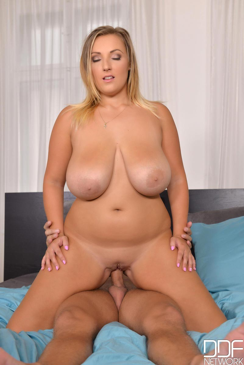 Hot bbw krystal swift shakes her monster juggs