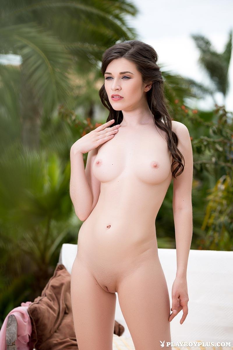 serena-daniels-nude
