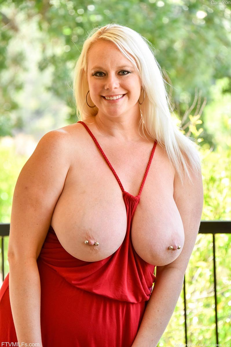 Milfs with big boobs