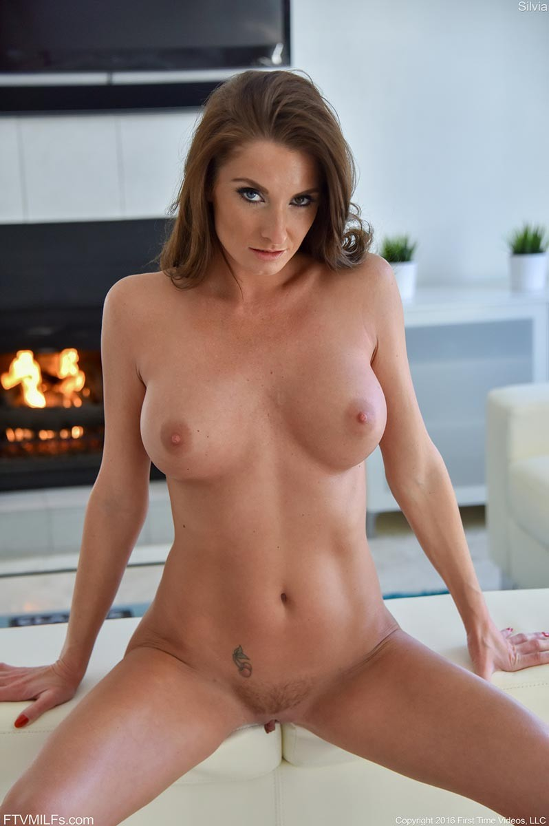 Rock Hard Nude Cougar Shows Shaved Pussy-5754