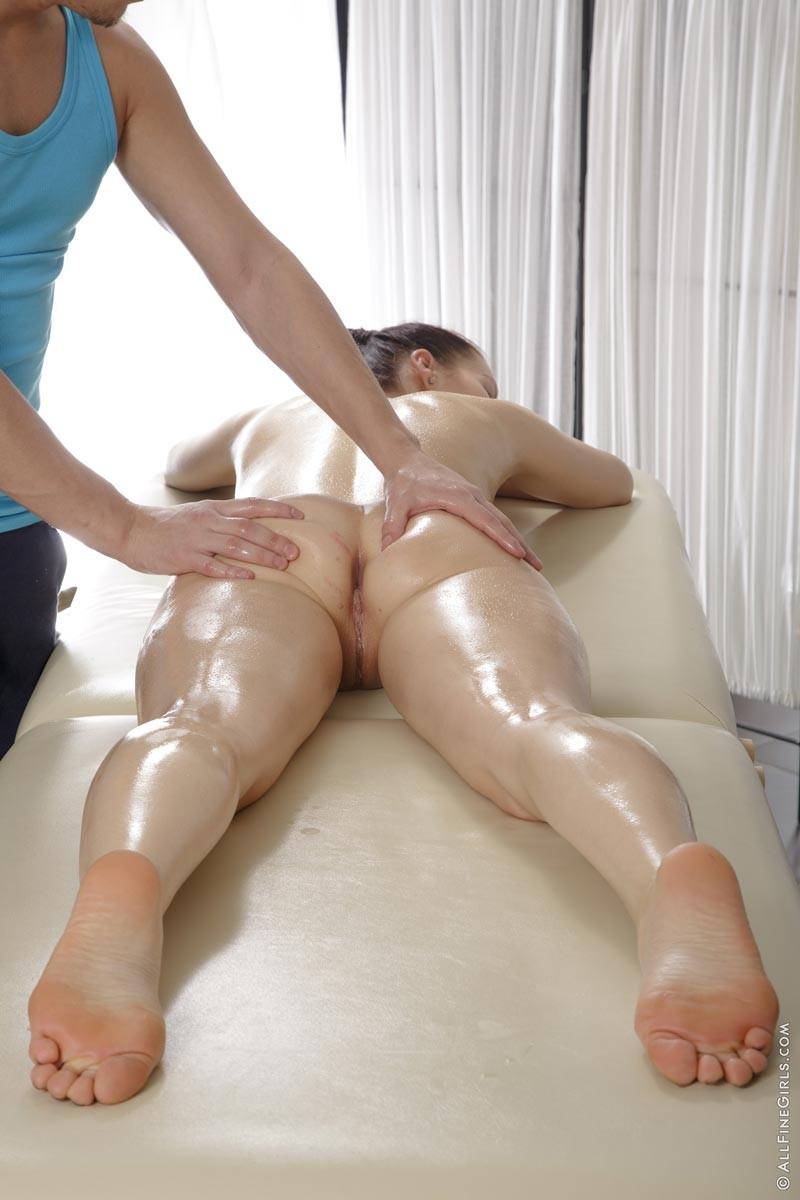 spuitende porno ero massage limburg