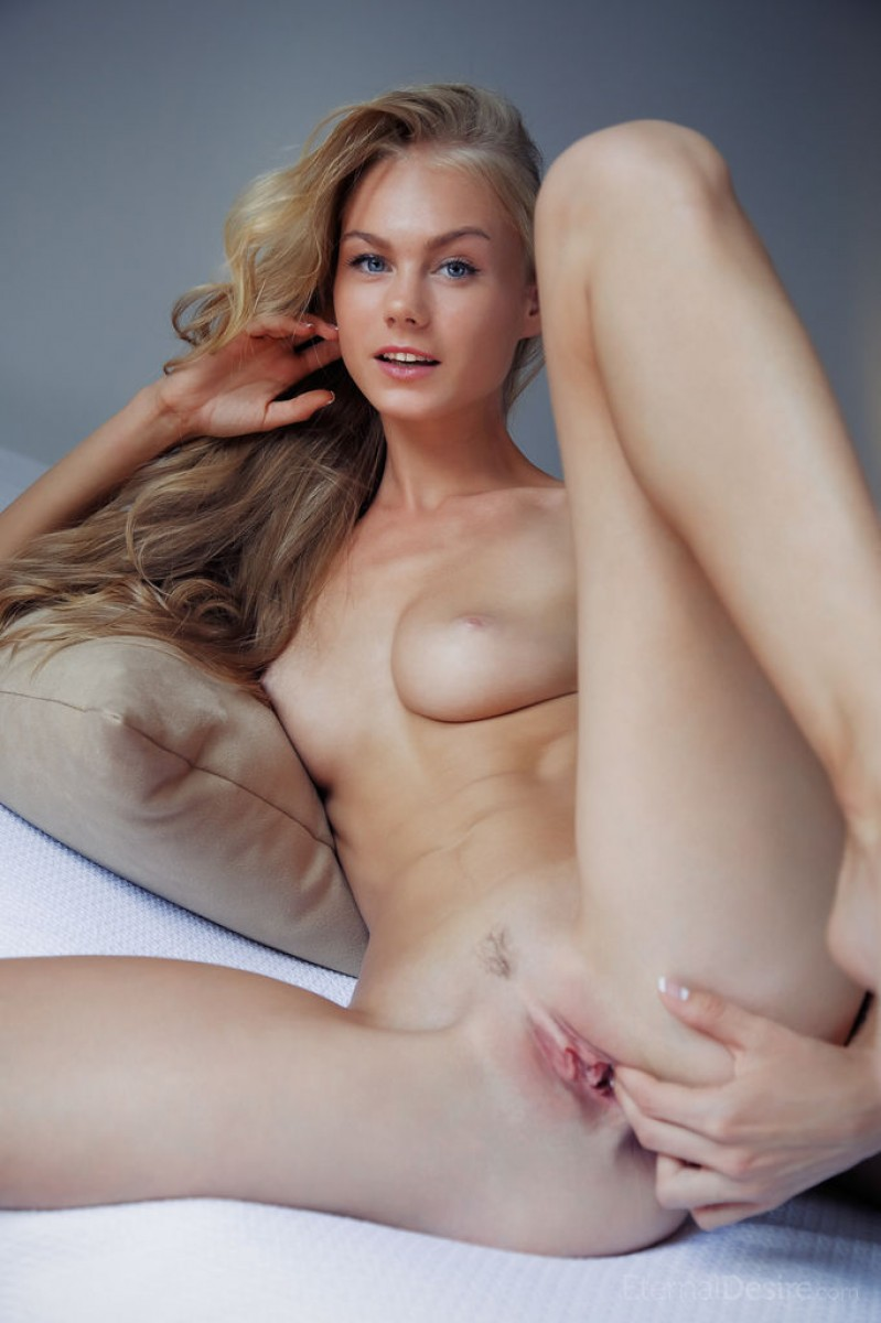 Nancy A Leggy Naked Blonde Teenie-2940