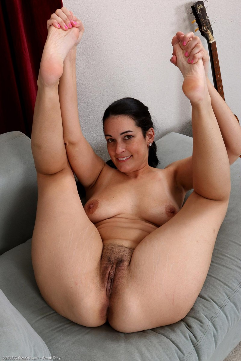 Colombians Curvy housewife mature shitttt would worship