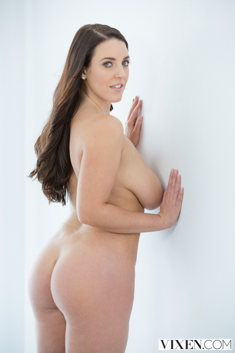 Blacked curvy latina gets dominated by a famous rapper - 3 10