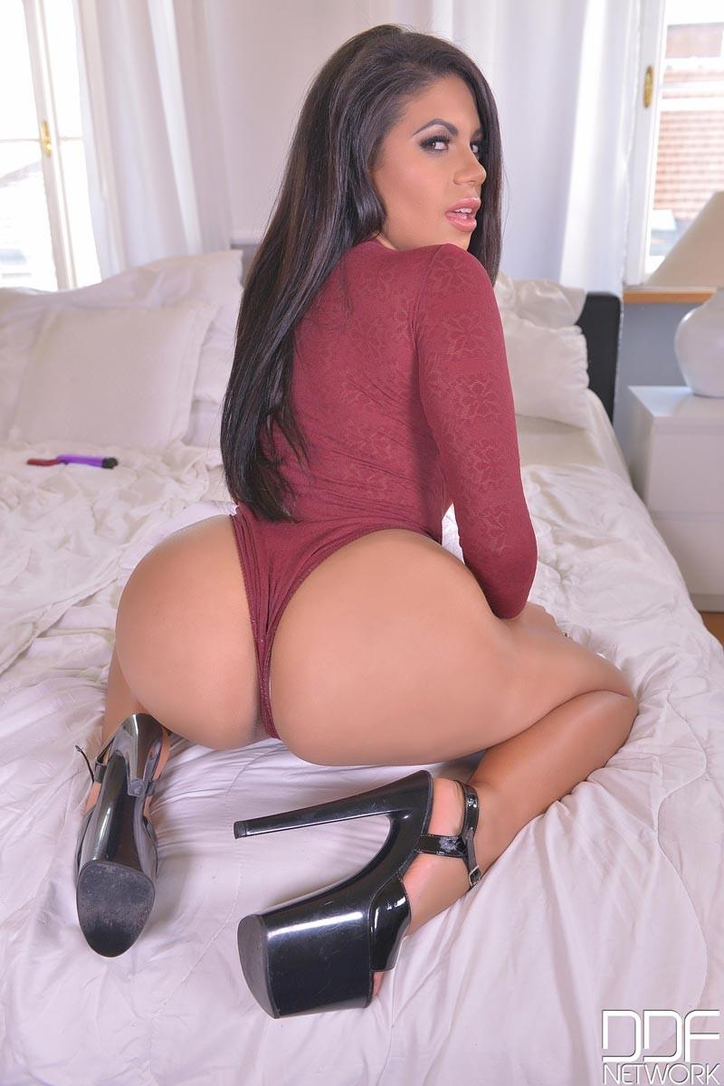 image Teen big booty brunette takes on alfalfa college jock