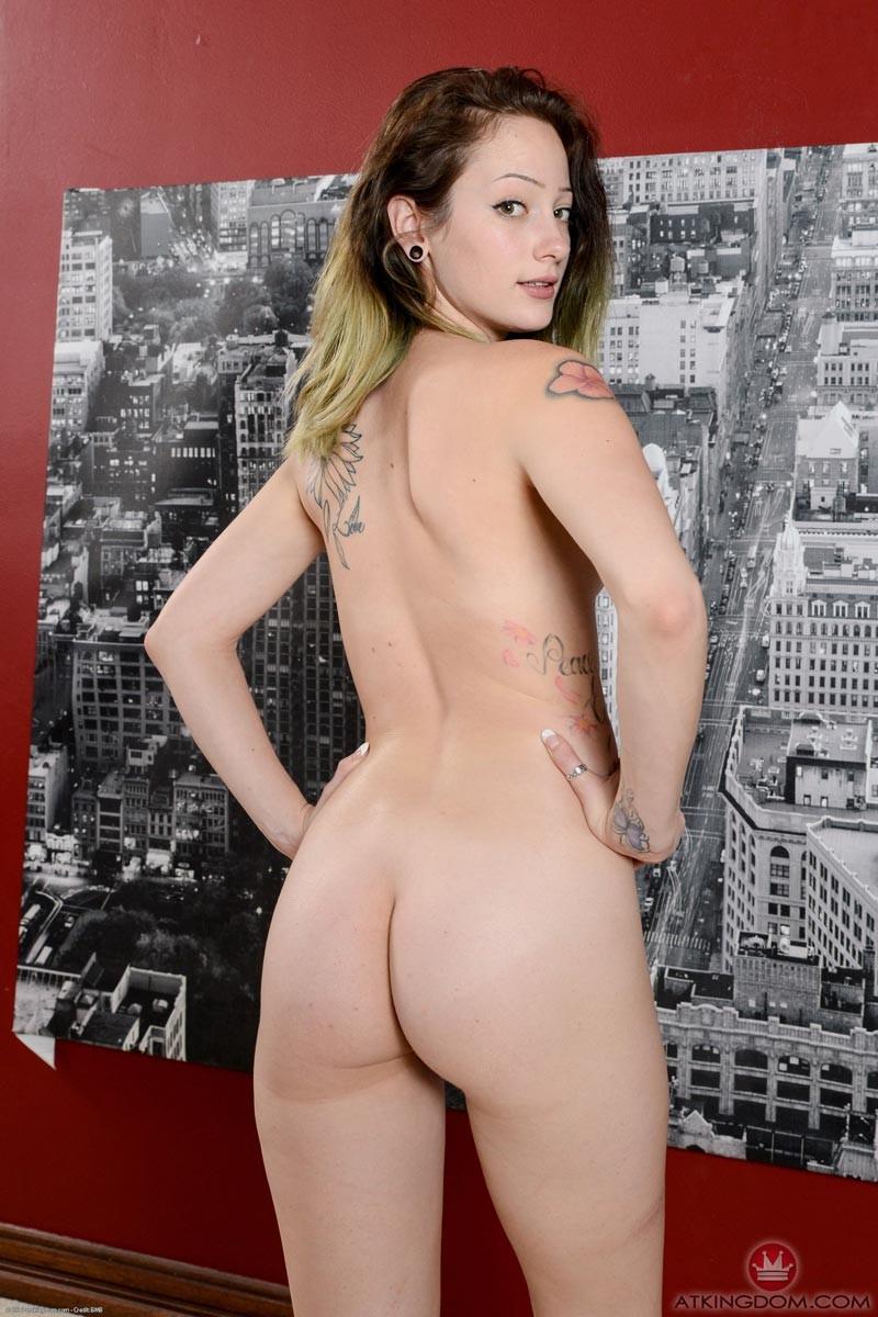 Riylee Renee Spreads Pussy-9962