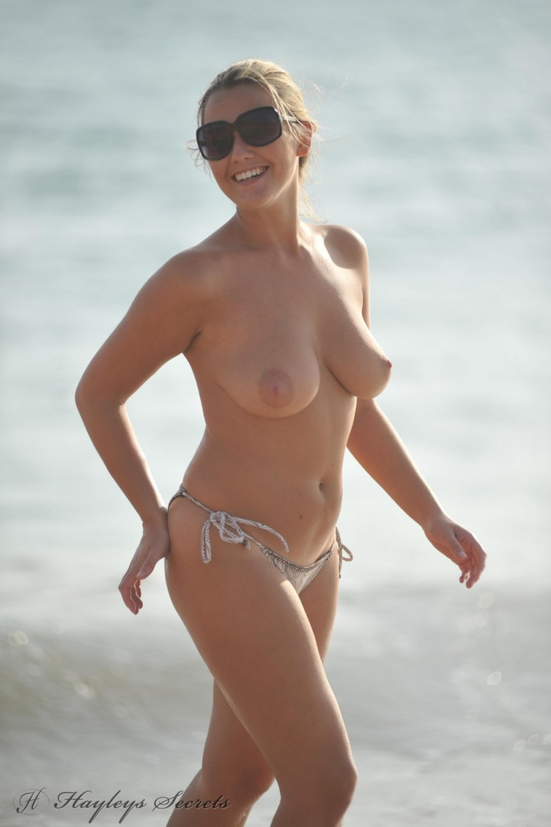Jodie Gasson Topless Beach Babe-9605