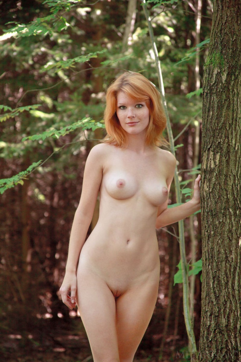 Mia Sollis Naked Ginger In The Woods-4420