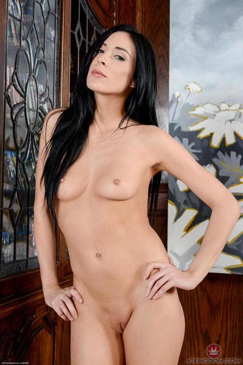 aiden ashley nude