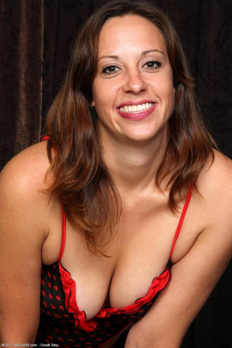 Carmela bing threesome armpit