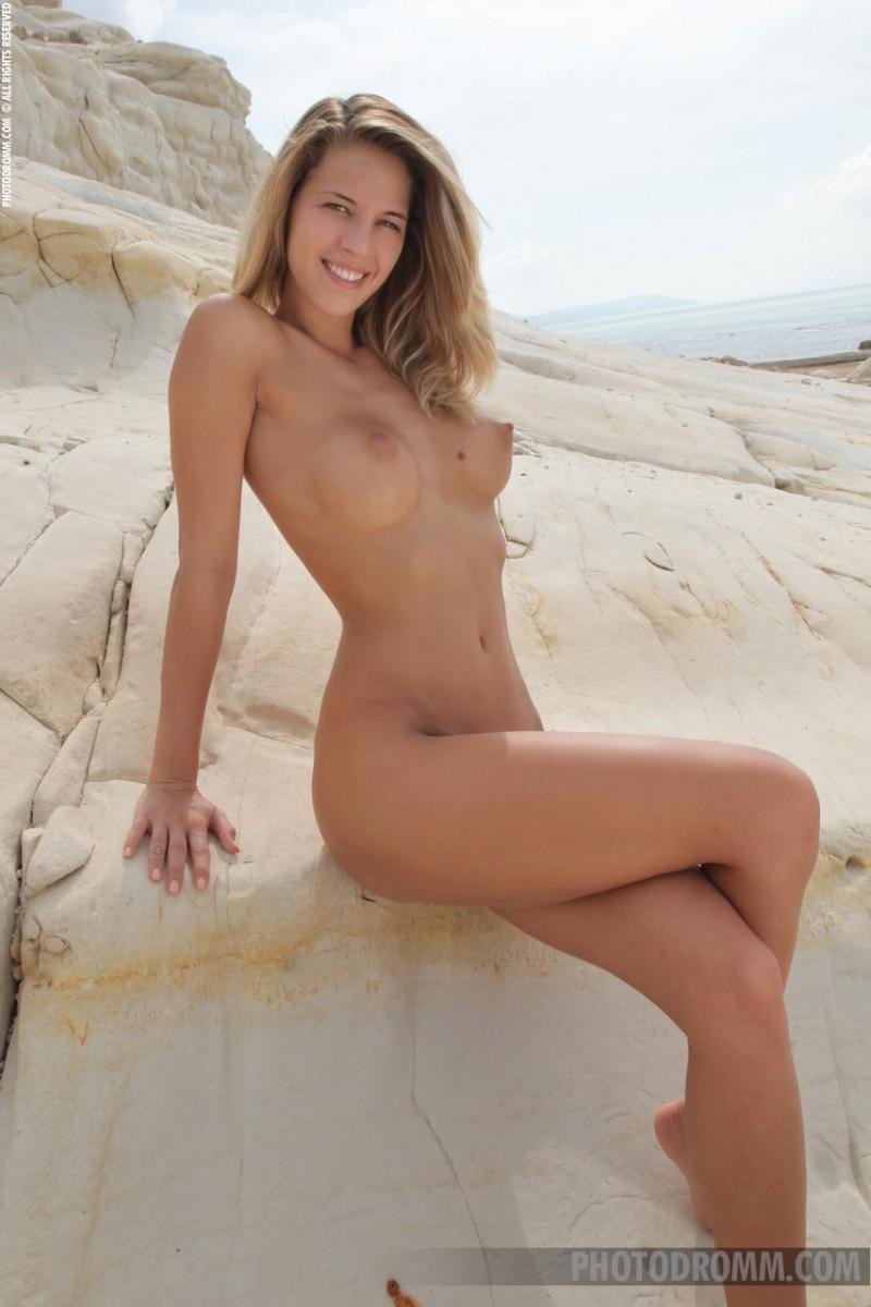 adele models nude