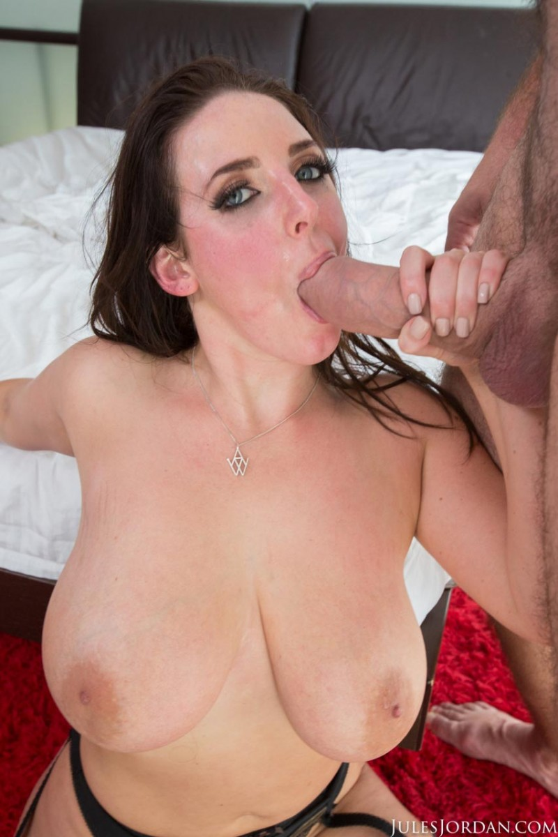 image Sophie fucked in pantyhose by truck drivers