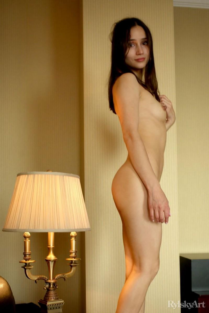 Free ebony nude picture