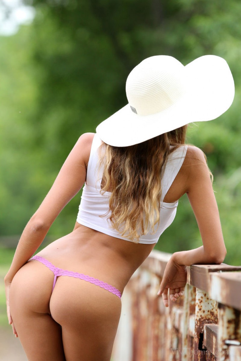 Blonde hottie loves to do it all 9