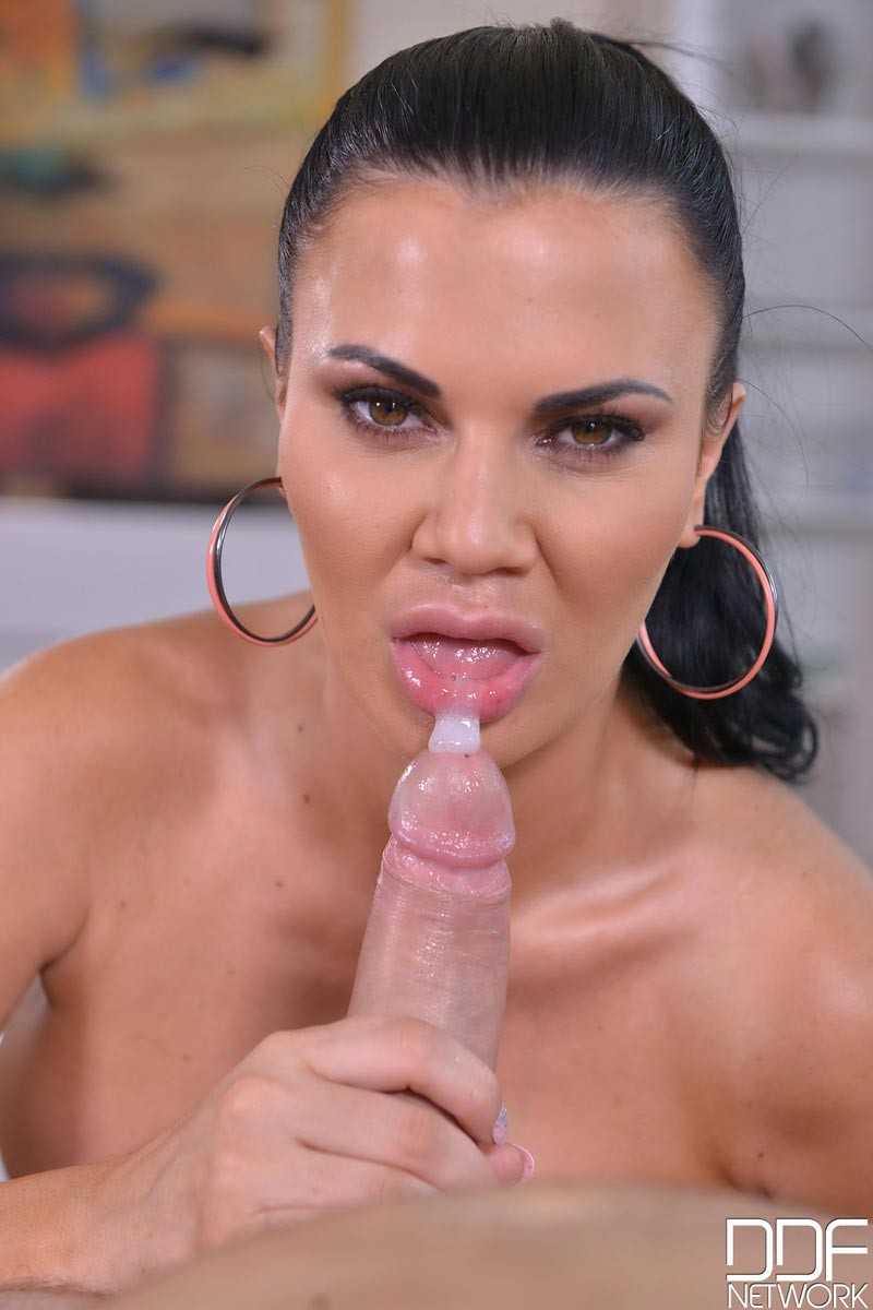 Busty milf jasmine jae bangs with roberto blanco - 2 part 10
