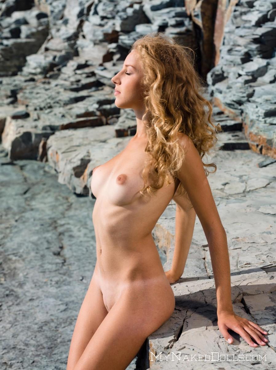 Feeling in naked