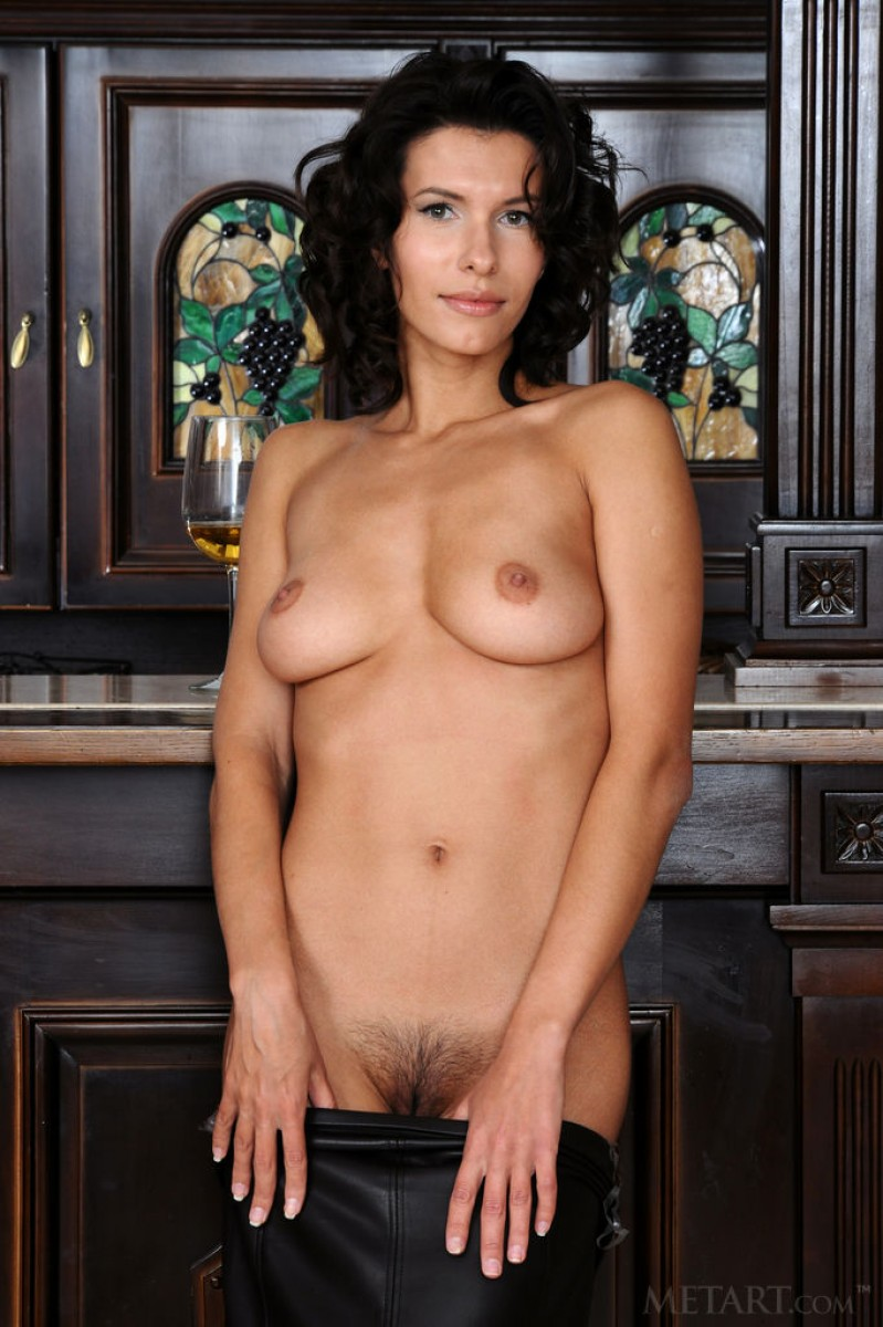Suzanna A Tipsy Girl Gets Naked-4542