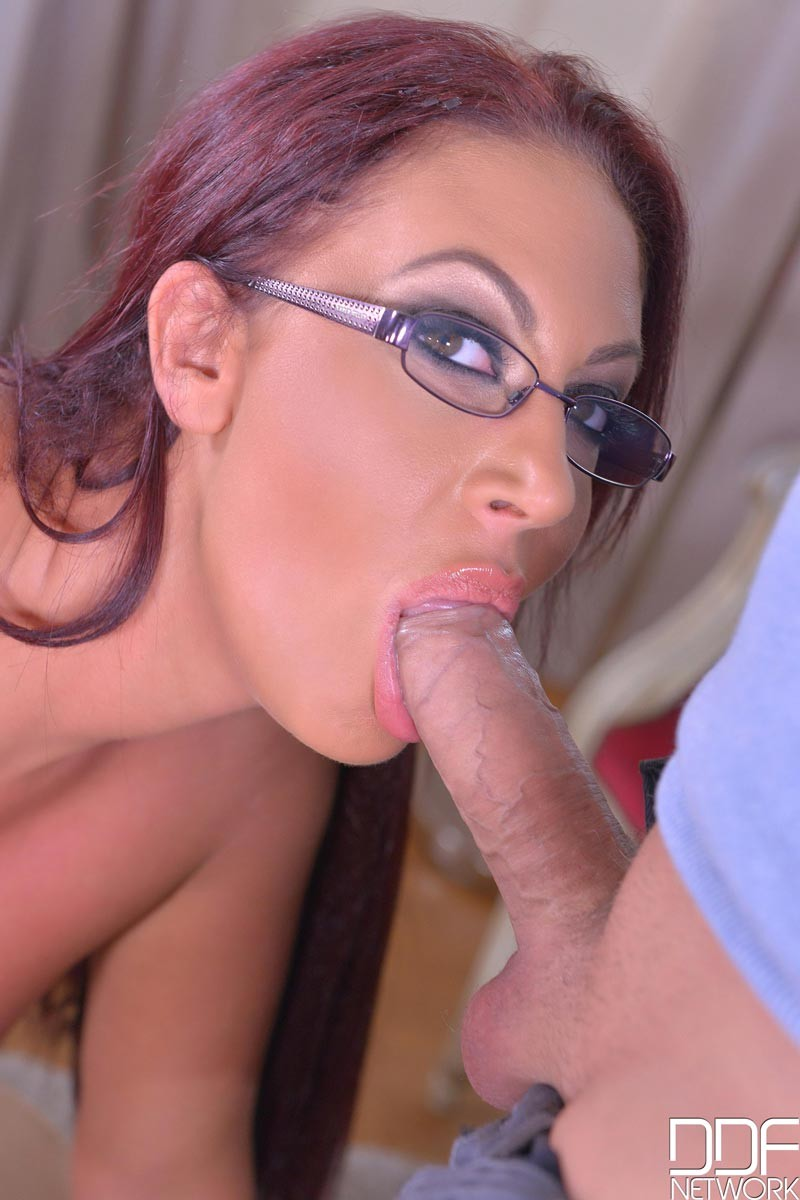 Emma Butt Sucking Hard Dick-2506