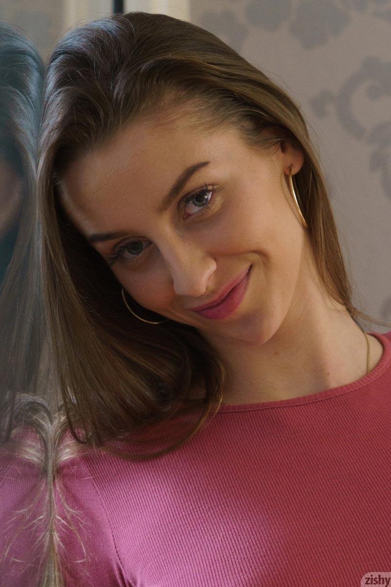 Erocurves lenka samkova nude czech amateur on Toppixxx.com