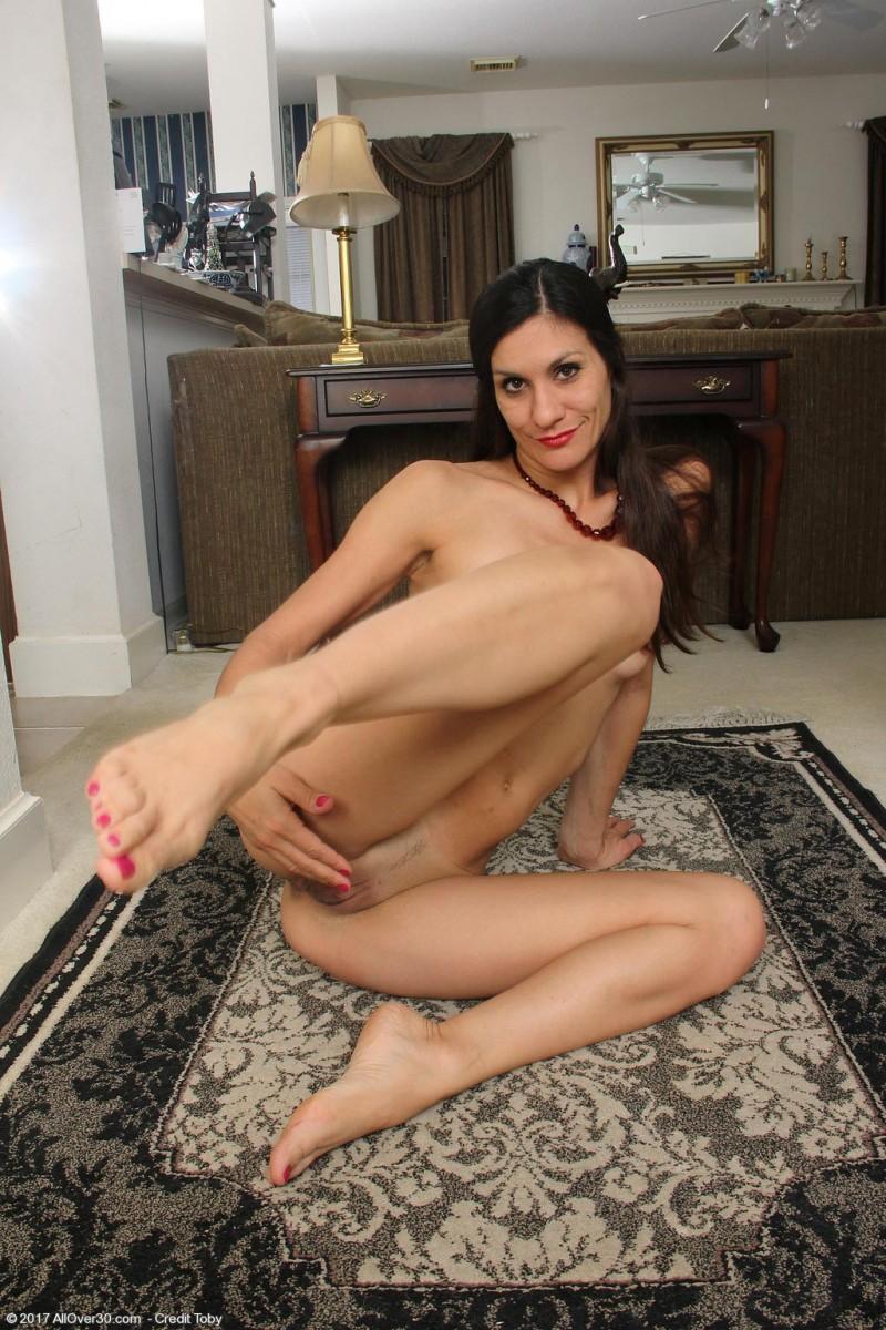 women nude horny milf