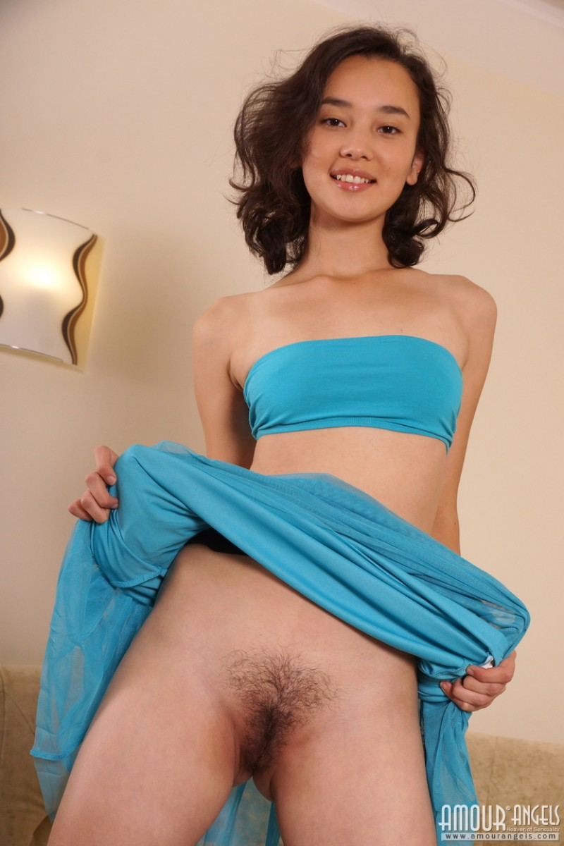 Asian milf sucking off the big fat erect pecker 7