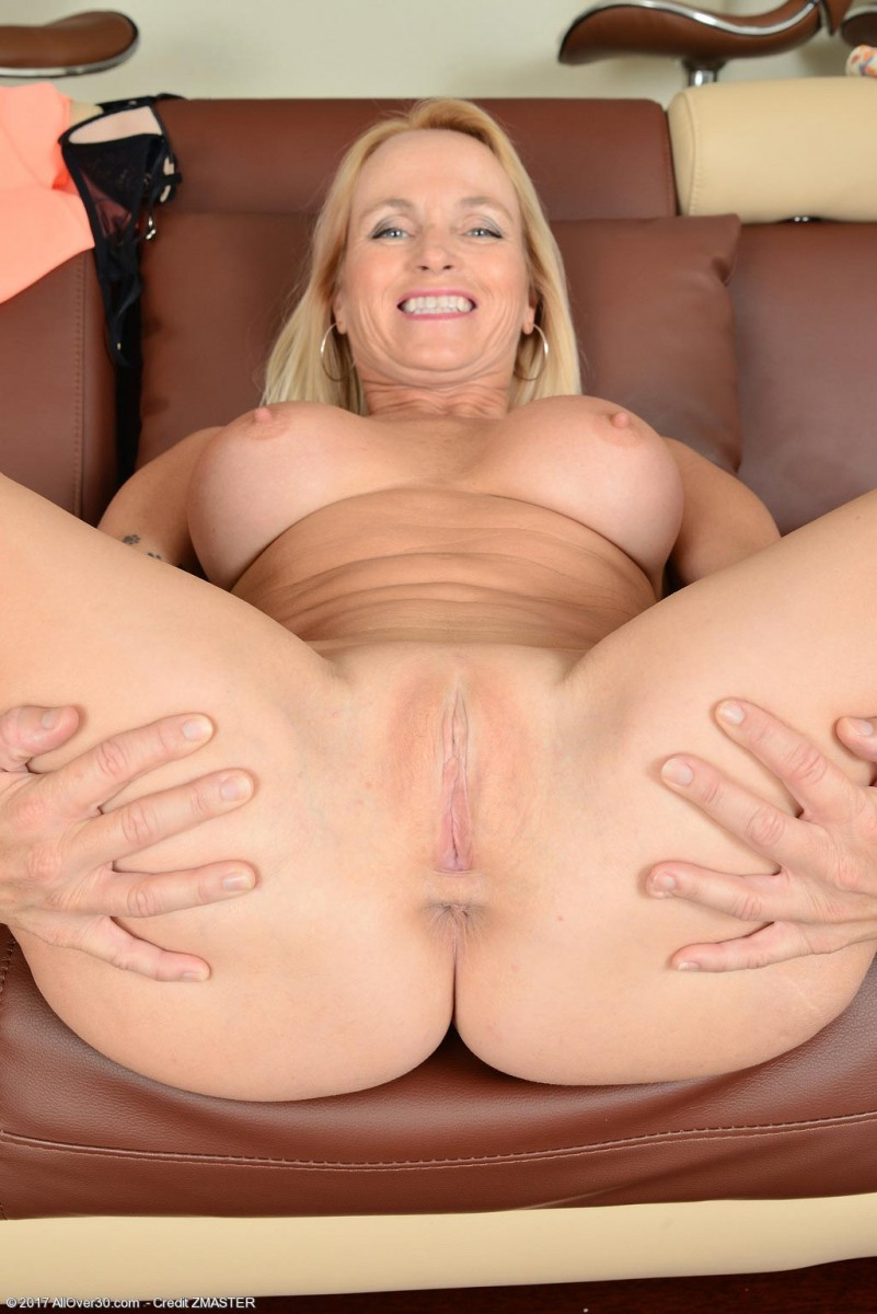 Hairy granny with big boobs fucked on a scale 9
