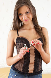 kira-lynn-in-a-sexy-corset