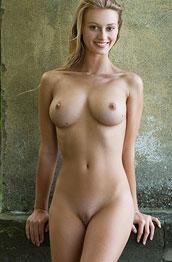 carisha-flawless-nude-body
