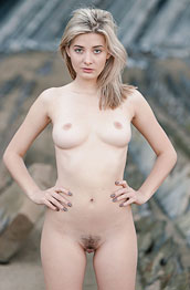 holly-belle-naked-outside