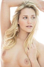 mia-malkova-curvy-naked-beauty