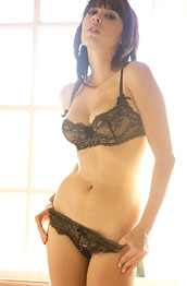 vynessa-orchid-lace-lingerie