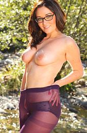 zoe-alexandra-purple-pantyhose