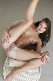 suzie-carina-shows-horny-pussy