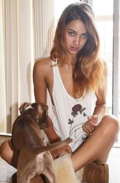 uma-joli-posing-with-her-dog
